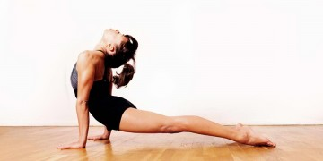 El cuidado de la espalda practicando asanas de Ashtanga Vinyasa Yoga.