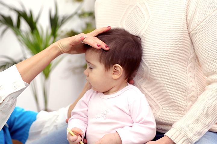 Ajuste quiropractico de bebes