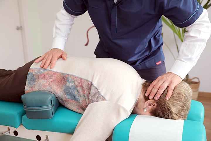 Ajuste quiropractico en la tercera edad